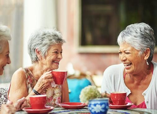 Ако искате щастливи старини, инвестирайте в приятелствата си, сочи проучване