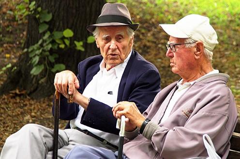 Защо възрастните хора са по-консервативни?