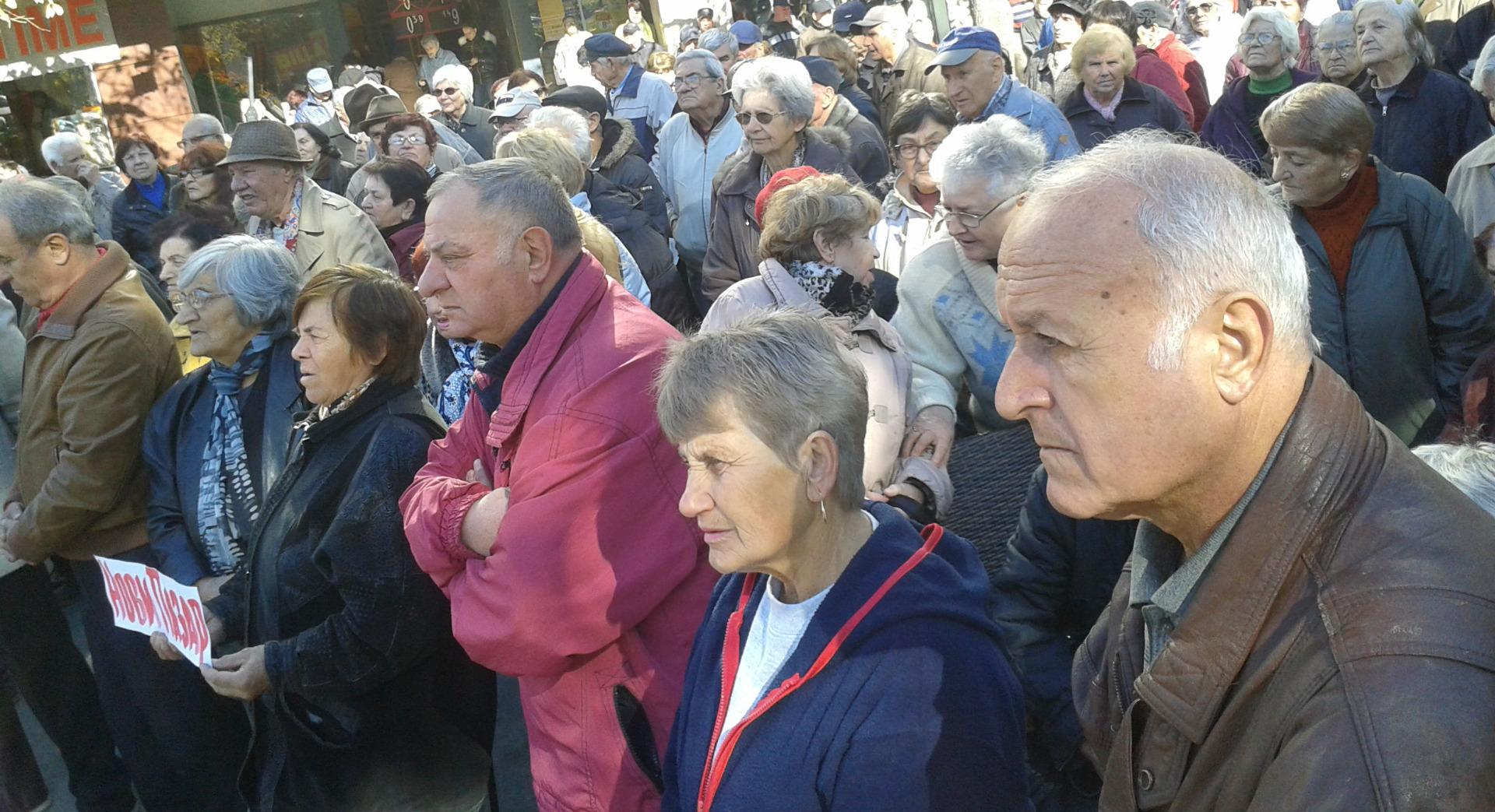 Българското население продължава да застарява